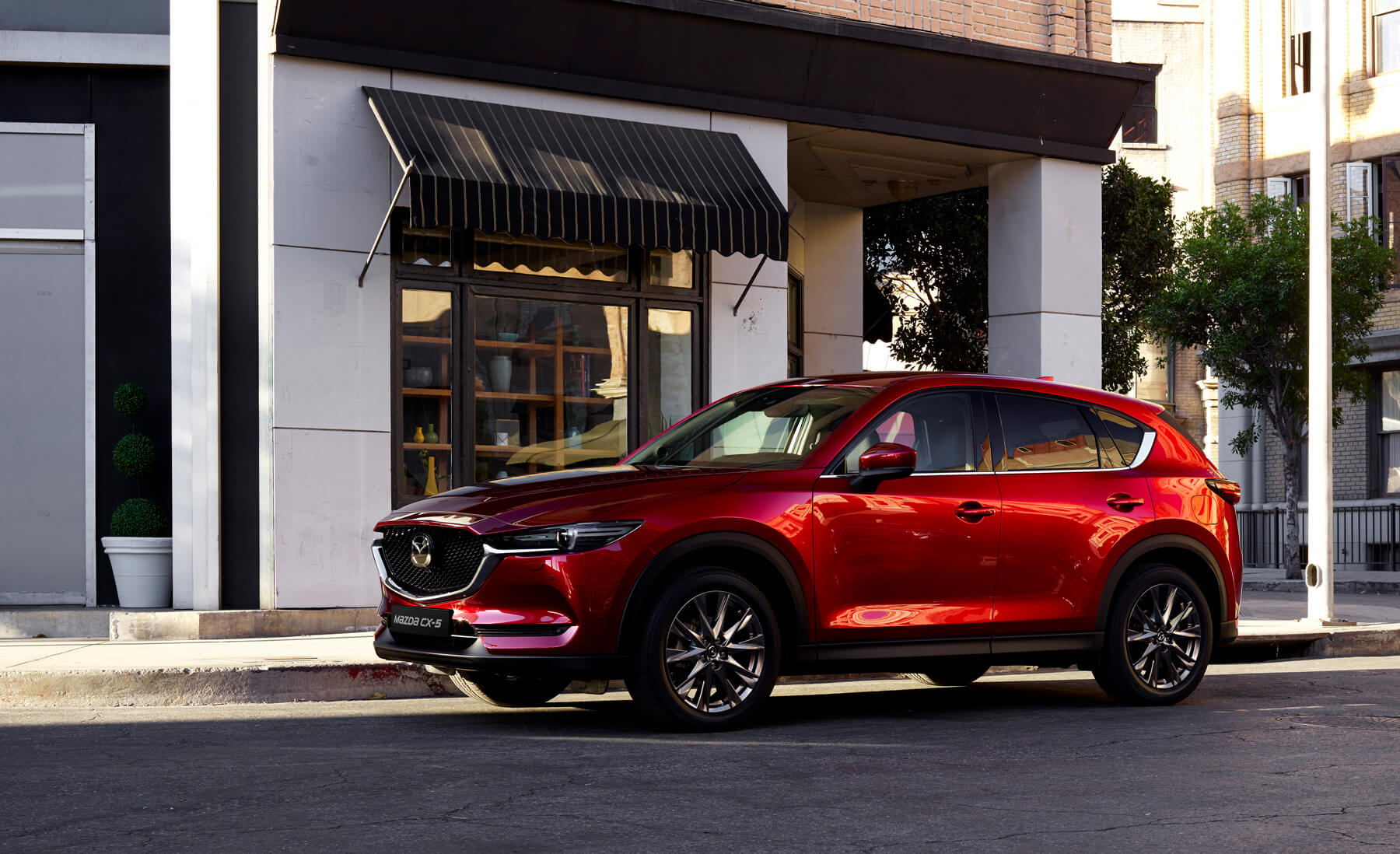 https://garage-roos.mazda.ch/wp-content/uploads/sites/22/2019/07/ch_home_slider_05.jpg